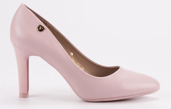1757b14bea0d Jak správně vybrat boty na ples a čemu se vyhnout